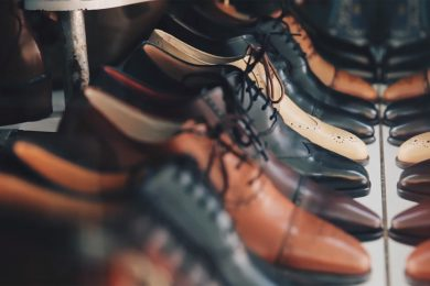 Plusieurs chaussures Richelieu en cuir